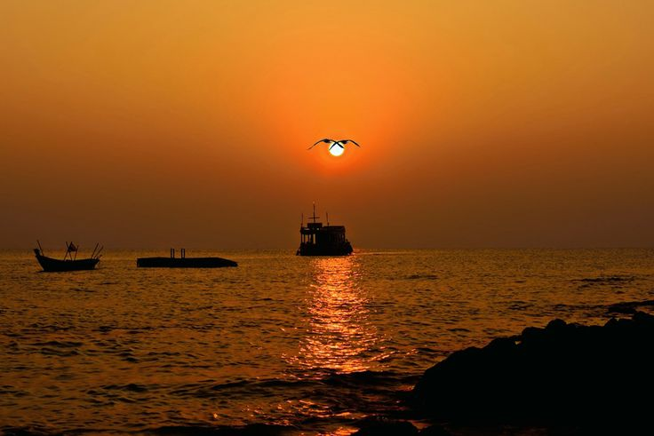 Sunrise by Welbis Pestana on 500px