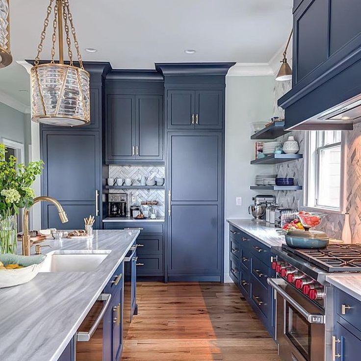 Blue Kitchen Themes: 17 Best Ideas About Herringbone Backsplash On Pinterest