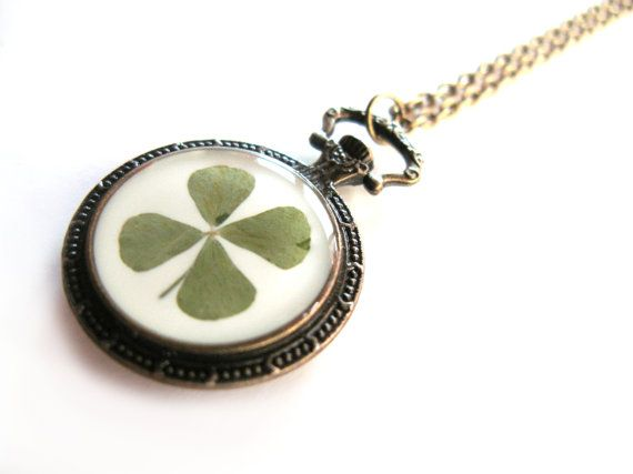 Four Leaf Clover Pendant Necklace   Real Clover in Pocket