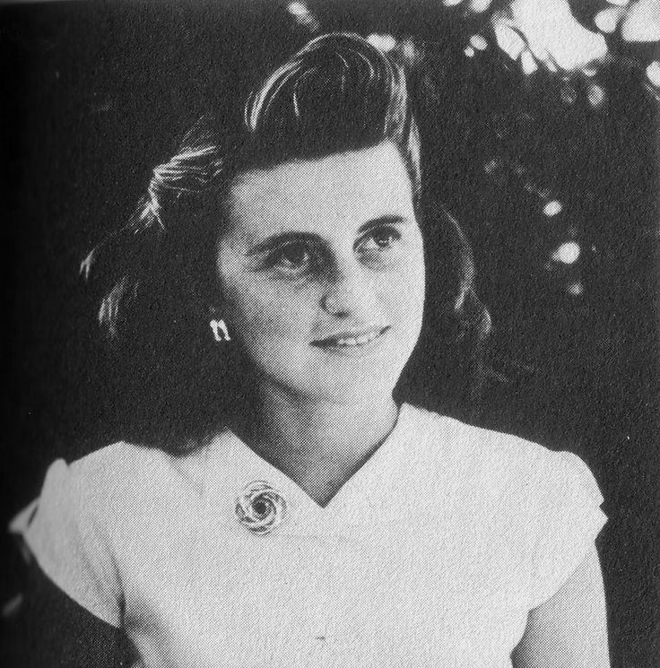 Kathleen Agnes (Kennedy) Cavendish, Marchioness of Hartington (February 20, 1920 – May 13, 1948) was an American socialite. She was the fourth child and second daughter of Joseph P. Kennedy, Sr. (1888–1969) and Rose Fitzgerald (1890–1995). She was a sister of future U.S. President John F. Kennedy (1917–1963) and widow of politician William J. R. Cavendish (1917–1944)  ♡❀❁❤❁❤❁❤❁❤❁❤♡❀  http://en.wikipedia.org/wiki/Kathleen_Cavendish,_Marchioness_of_Hartington
