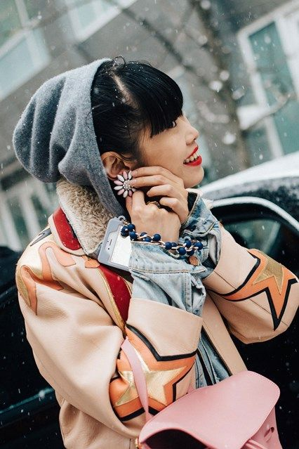 New York Fashion Week Street Style brought to you by Vogue. We capture all the best style inspiration and fashion happening during New York Fashion Week.