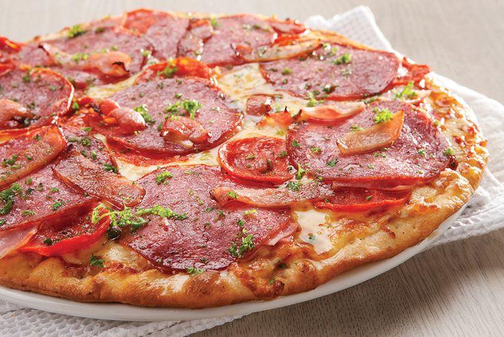 Gourmet - Carnivore. Salami, spicy Italian sausage, bacon and ham | Panarottis http://www.panarottis.co.za/ourmenu/pizza