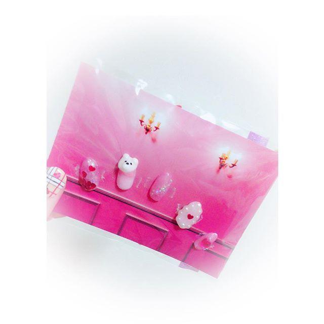 선물 기쁘게 해주면 좋겠어용💭💓 反応が楽しみ🎶  #nail #네일스타그램 #네일 #젤네일 #3dnails #3d네일 #곰네일 #핑크네일 #핑크 #ネイルチップ #セルフネイル #ネイル工房 #くまネイル #3dネイル #プレゼント #선물 #일본 #일본네일