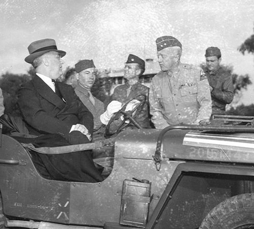 Franklin Roosevelt speaking with George Patton, Casablanca, French Morocco, 18 Jan 1943