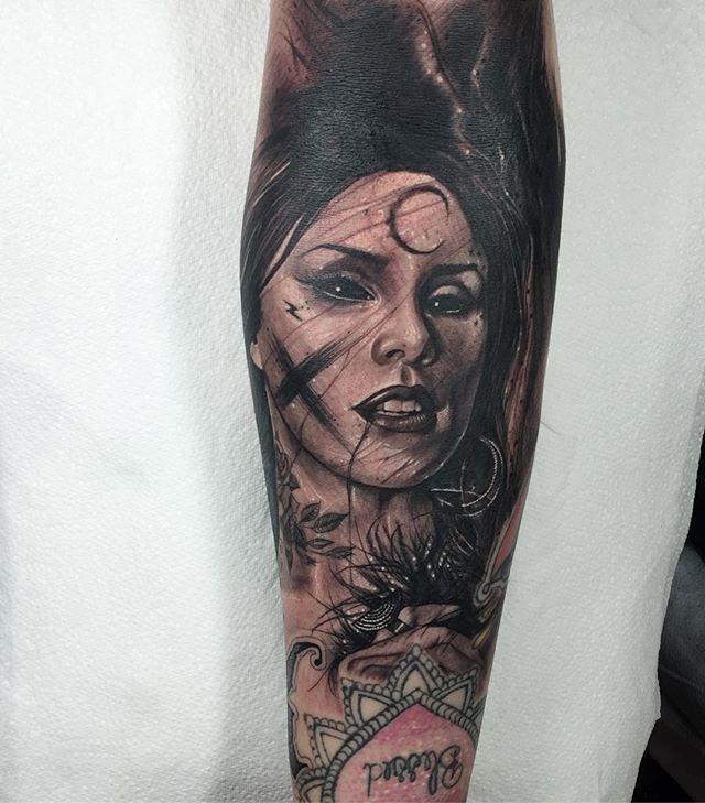 @thekatvond done today on @cindyxapril 💥🌱 thank you for traveling , it was fun tattoo to do ! #silverbackink #darktrashrealism #fkirons #katvond #vegan