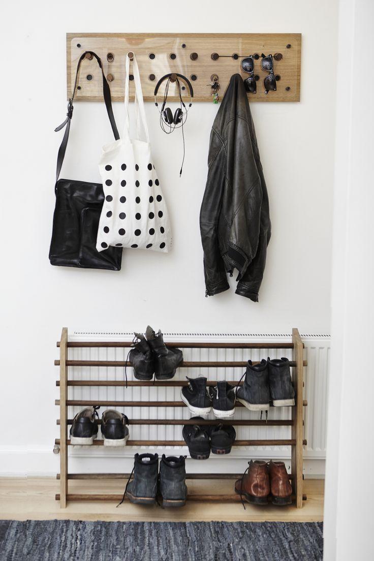 Hallway - Roon & Rahn Moodstand (prototype) - Roon & Rahn Moodboard 2X10 oak - Rug Solid rug