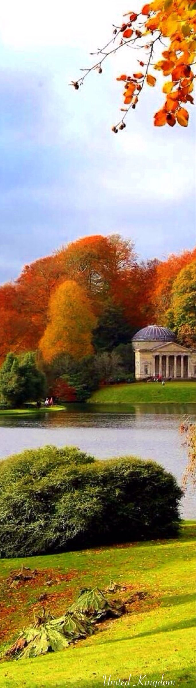 'No Spring nor Summer beauty hath such grace as I have seen in one Autumnal face ... ' John Donne (1572-1631)