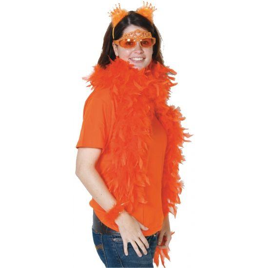 Oranje boa. Brandveilige oranje boa. Formaat: 180 cm, 50 gram. Ook in grote aantallen en andere kleuren te bestellen. Meer oranje kleding en versiering vindt u ook in deze oranje winkel.