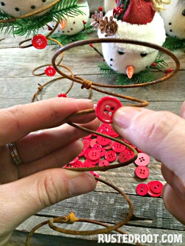 How to Make a Bed Spring Snowman #RustedRoots