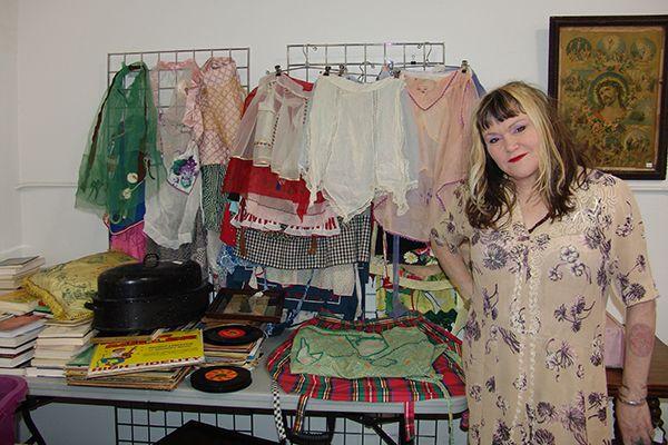 Exene Cervenka of X selling off her possessions!