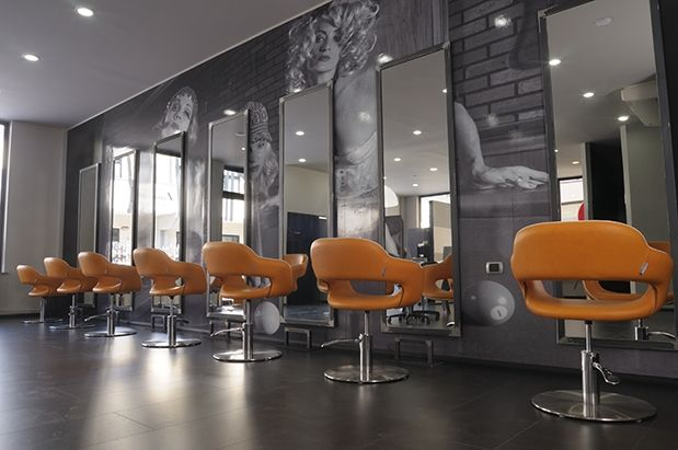 Nirvana italy salon ambience hairdressing furniture for Made in italy arredamenti bertinoro