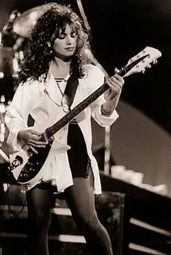 Susanna Hoffs - The Bangles - Rickenbacker