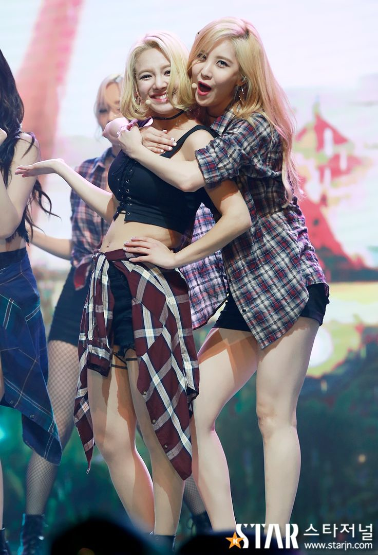 SeoHyun and HyoYeon, the Maknae and the Dancing queen
