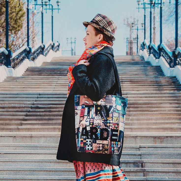 Our author Dina Belenko did a great photo shooting of her tote bag Try Harder