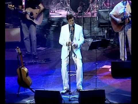 MANOLO TENA DESNUDO BAJO LAS LLUVIAS - YouTube