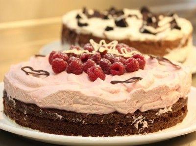 Sjokoladekake med bringebærkrem - Anines navnefest