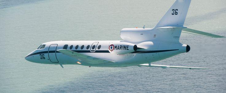Un Falcon 50 de la flottille 24F basée à Lann-Bihoué a été déployé jeudi 19 mai pour participer aux recherches de l'avion d'Egyptair qui s'est abîmé en Méditerranée au large de l'île grecque de Karpathos. Cet avion de surveillance maritime, déployé dans l'opération EUNAVORMED, a été dérouté sur zone pour apporter son concours aux opérations de recherche coordonnées par le MRCC (Maritime Rescue Coordination Center – centre de recherche et de sauvetage en mer) Egypte.