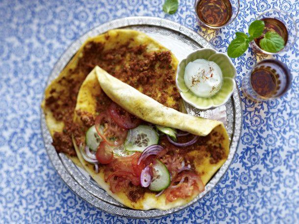 Unser beliebtes Rezept für Lahmacun (Türkische Pizza) und mehr als 55.000 weitere kostenlose Rezepte auf LECKER.de.