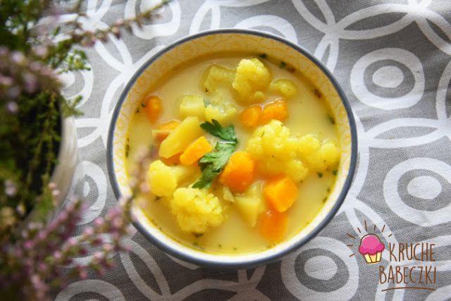 kruche babeczki: Zupa z dynią, kalafiorem, ziemniakiem i kurkumą
