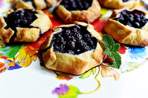 pioneer woman mini blueberry galettes mini blueberry galettes by ree ...