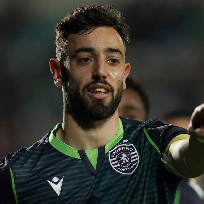 Manchester United Reportedly Offered 70m Player On Loan For Bruno Fernandes Get The Lates In 2020 Manchester United Transfer Manchester United Manchester United Team
