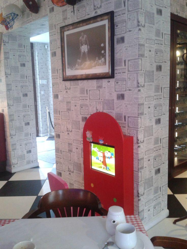 Interactive kids corners in an American restaurant chain www.funmakers.eu