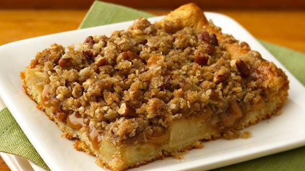 6 Apple Crumb Pies That Are All About the Topping