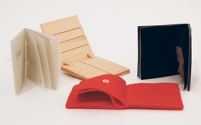 Bruno Munari, Les pré-livres, 12 petits livres, (10*10cm), dernière édition Corraini, Mantoue, 2011 ©