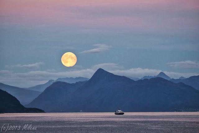 Teta Pehta: Forhekset av månen