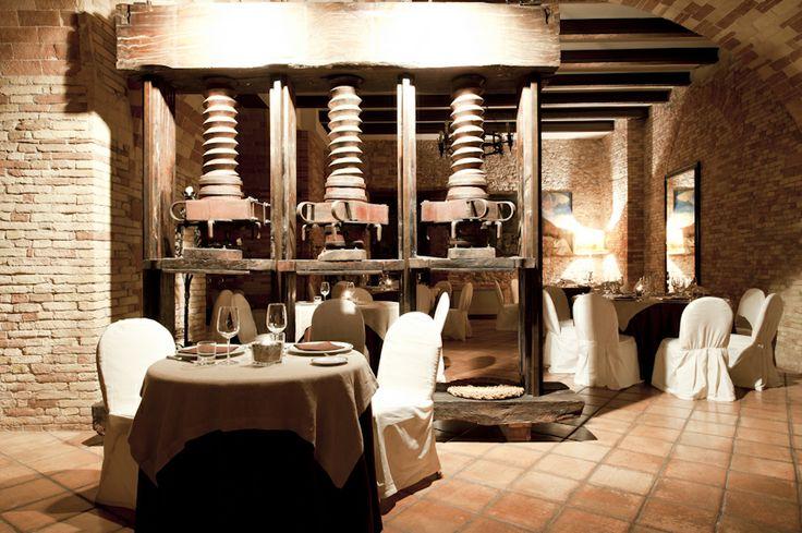 Ristorante : L' Antico Torchio @CASTELLO CHIOLA Loreto Aprutino, Pescara, Italia www.castellochiola.com