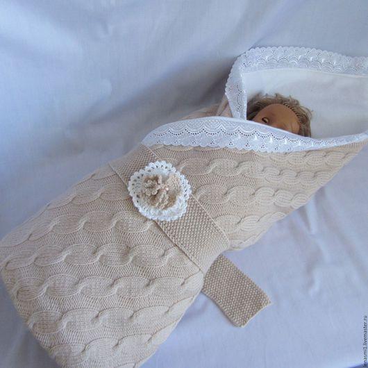 Для новорожденных, ручной работы. Ярмарка Мастеров - ручная работа. Купить Детский вязаный спицами плед для новорожденного на флисе с кружевом.. Handmade.