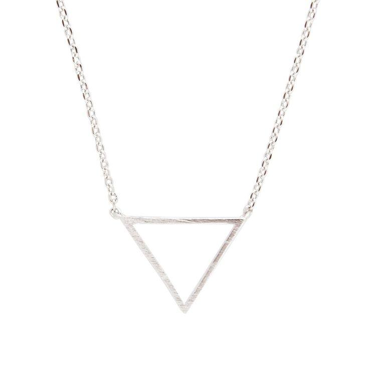 Zilveren ketting met driehoek - triangle - Zilveren ketting met driehoek - triangle. De driehoek staat voor de drie pilaren van vriendschap: acceptatie, vertrouwen en begrip. Perfect cadeau. Bestel bij Glamour Concept Store. Veilig betalen.