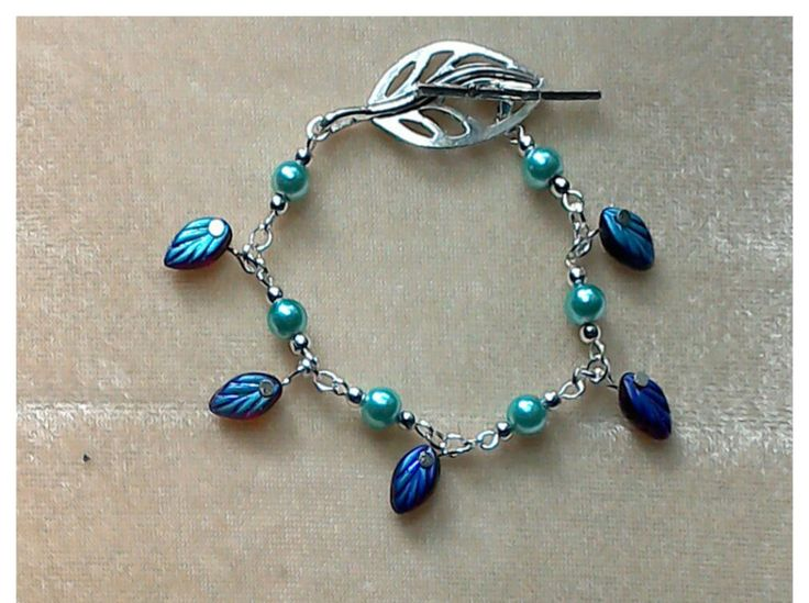 Turquoise & silver Leaf Bracelet with glass bead leaves charms, Silver leaf toggle clasp, turquoise glass pearls by CreativelyWell on Etsy