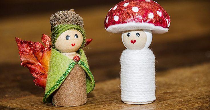 Cómo hacer muñecas de madera peg de hadas del bosque. Puedes hacer una muñeca de hada del bosque a partir de una muñeca peg de madera (o de clavijas de madera) en menos de media hora. Y ya que tienes los materiales a mano, también puedes hacer a su amiga seta. Este proyecto es lo suficientemente sencillo como para que lo hagan los niños (con supervisión).
