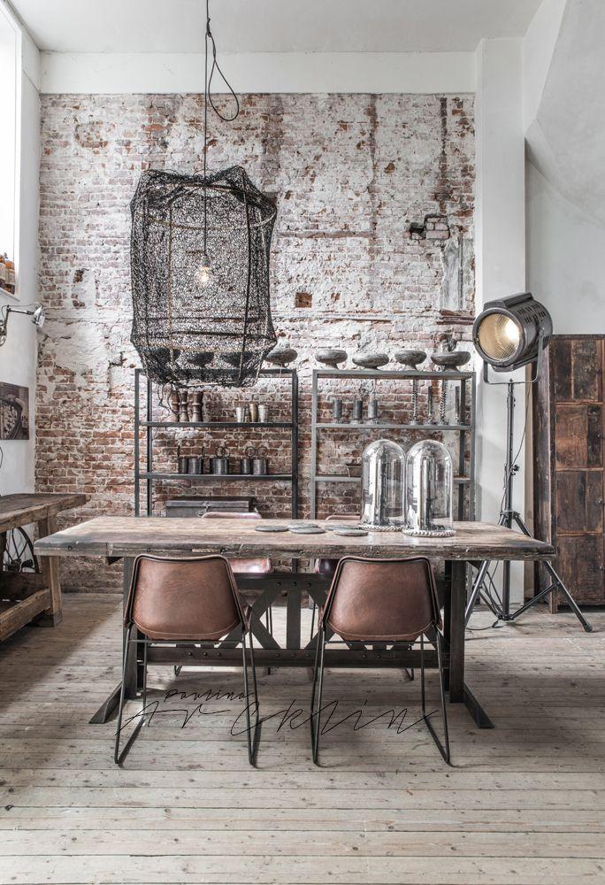 Vintage Industrial Decor Start Decorating Your Dining Room Now Industrial Interior Design Rustic Interiors Industrial Interiors