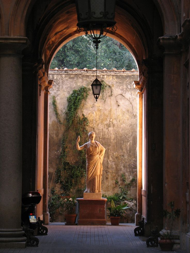 Courtyard statue, Rome, Italy