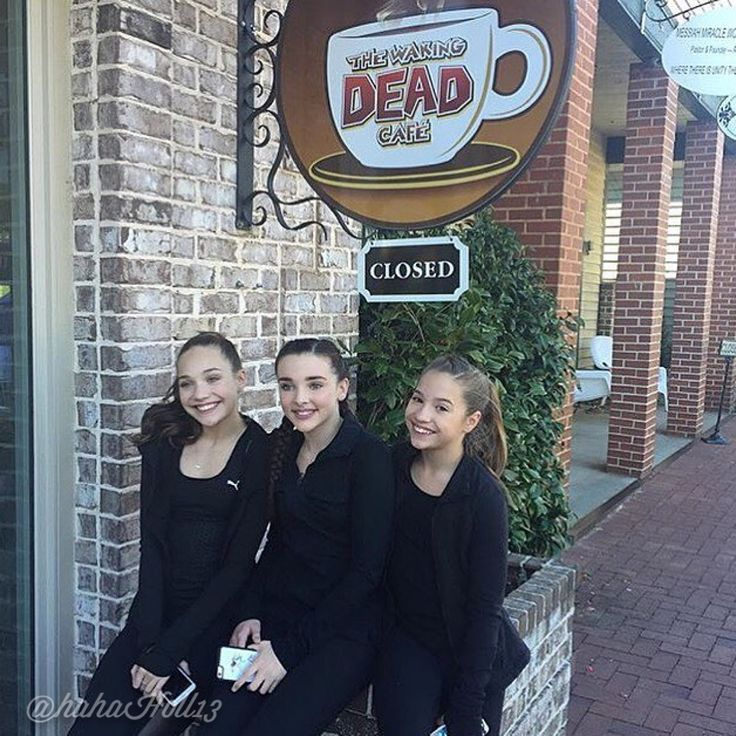Added by #hahah0ll13 Dance Moms Kendall K Vertes, Maddie and Mackenzie Ziegler