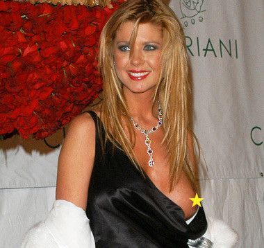 Tara Reid Boob Flash 37