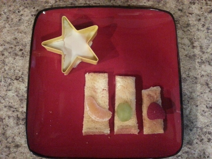 Three Kings day breakfast....egg in a star shape, toast 3 kings with their fruit gifts-gold, frankincense, & myrrh!!