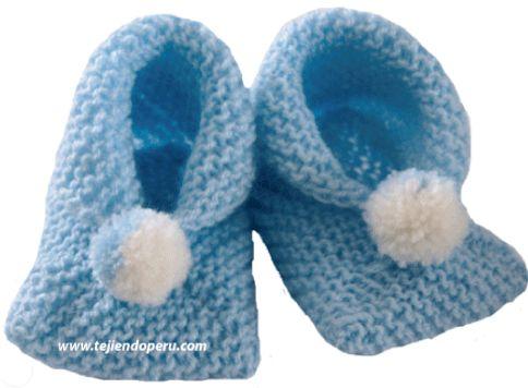 Zapatitos o patucos para bebes tejidos en dos agujas o palillos a base de dos cuadrados