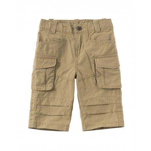 Bermudas de algodón con elástico regulable en la cintura y bolsillos aplicados. Disponibles en más colores. Ideales para un look deportivo.