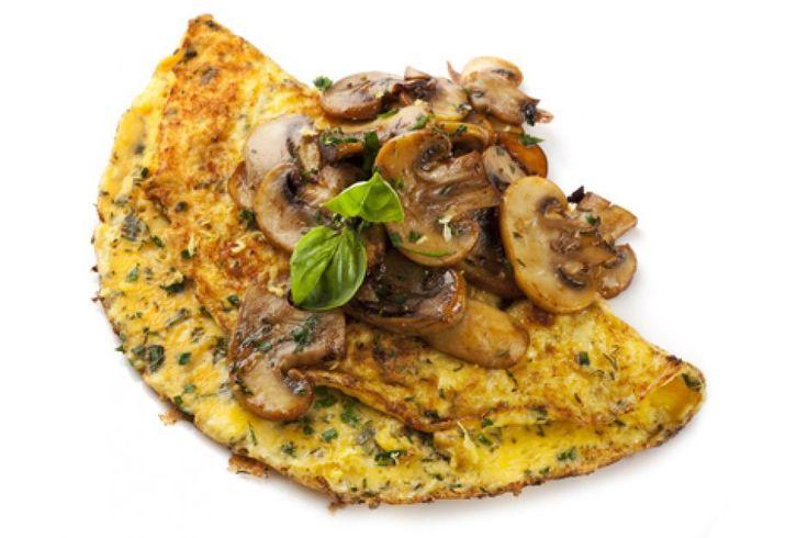 Spinazie -champignon omelet met Italiaanse kruiden