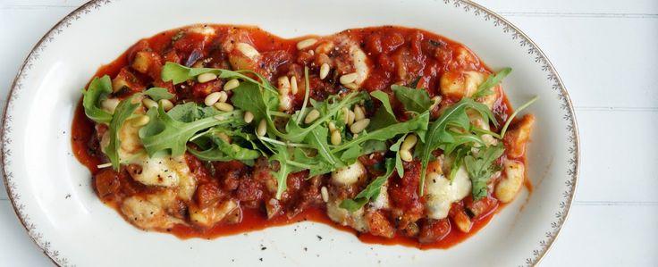 Gewoon wat een studentje 's avonds eet: Vega ovenschotel met courgette, aubergine, peterse...