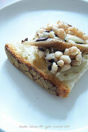 Crostone con fagioli Zolfini, radicchio e olio e.v. di oliva Castello D'Albola