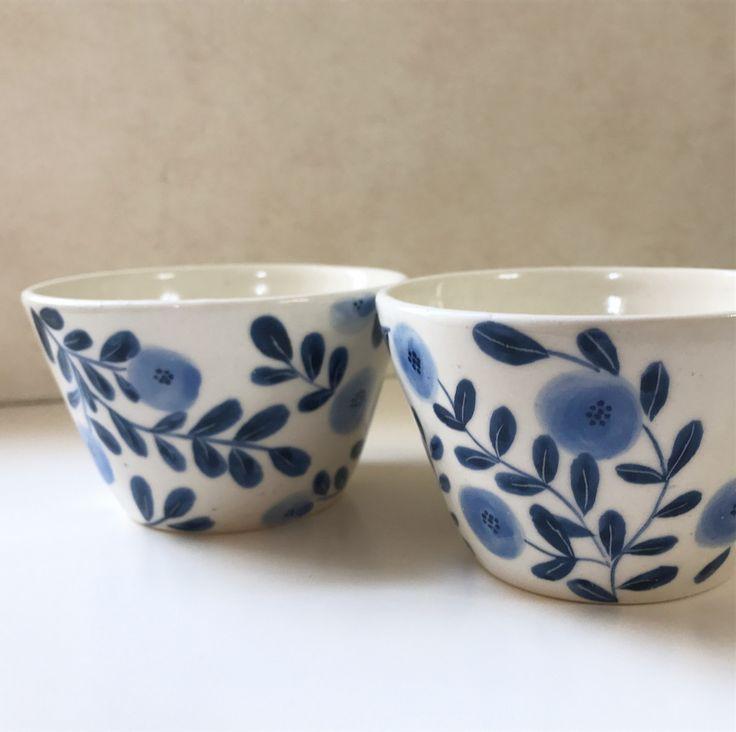 175 個讚,19 則留言 - Instagram 上的 tukituki工房(@tukituki1112):「 #陶芸#陶器 #陶#うつわ#器#蕎麦猪口#ceramic #ceramics #絵付け#ハンドメイド#handmade ・ ・ ・ ブルー2種の花柄口が大きめなので、フリーカップとしても使えます。… 」