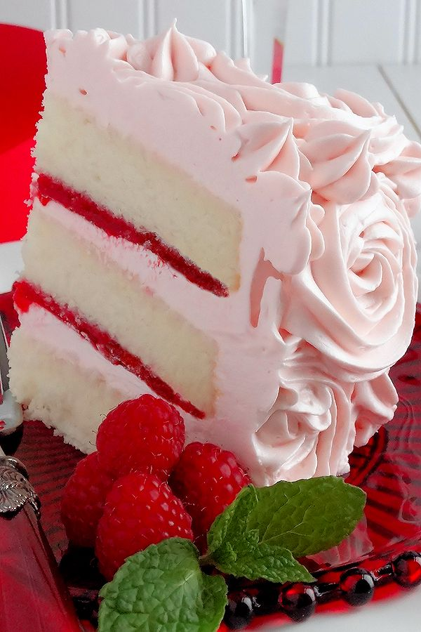 Mother's Day dessert recipe | Pink champagne velvet layer cake.