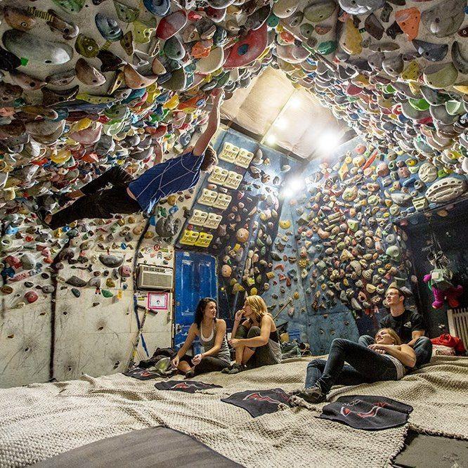 Guide complet pour fabriquer son pan/mur d'escalade chez soi et soi-même