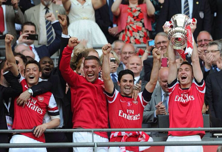 Players picking up FA cup