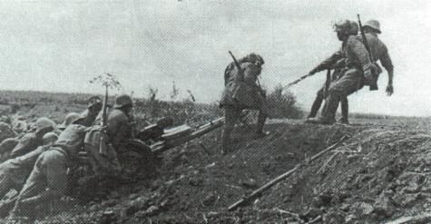 Moving a 37 mm Bofors model 1936 AT gun to a new firing position