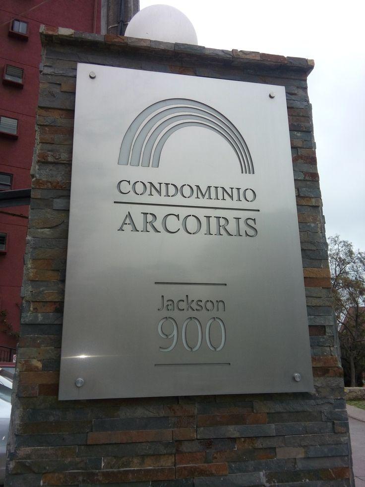 Diseño de letrero en Acero Inoxidable condominio Arco iris